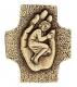 Kind in einer Hand - Bronzekreuz